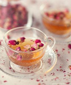 фото чай с лепестками розы съедобные цветы